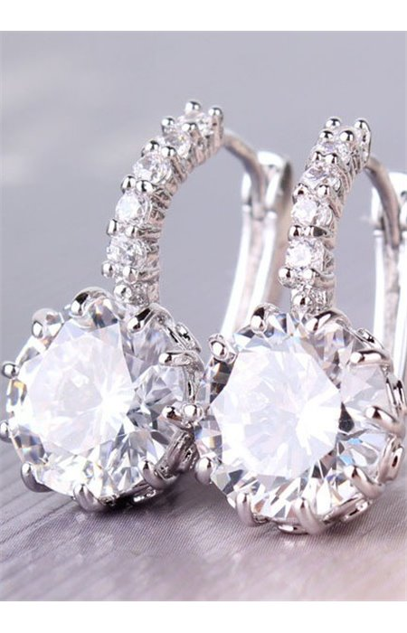 Elegantiški auskarai su kristalais