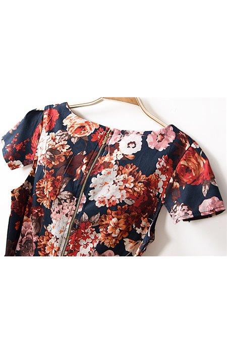 Gėlėta suknelė su kišenėmis
