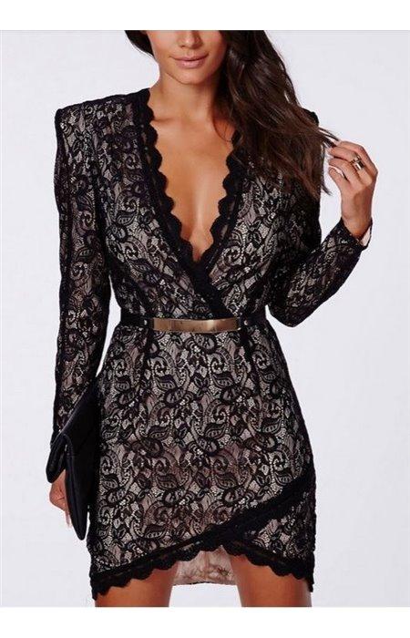 Seksuali suknelė su metaliniu diželiu
