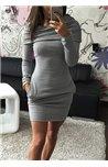 Suknelė su reguliuojamu kapišonu