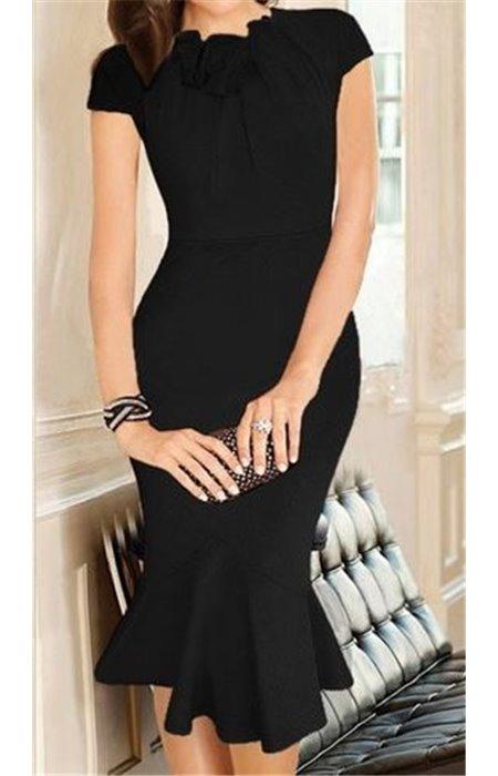 Klasikinė suknelė puošta apykakle