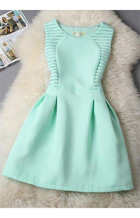 Klasikinio stiliaus suknelė