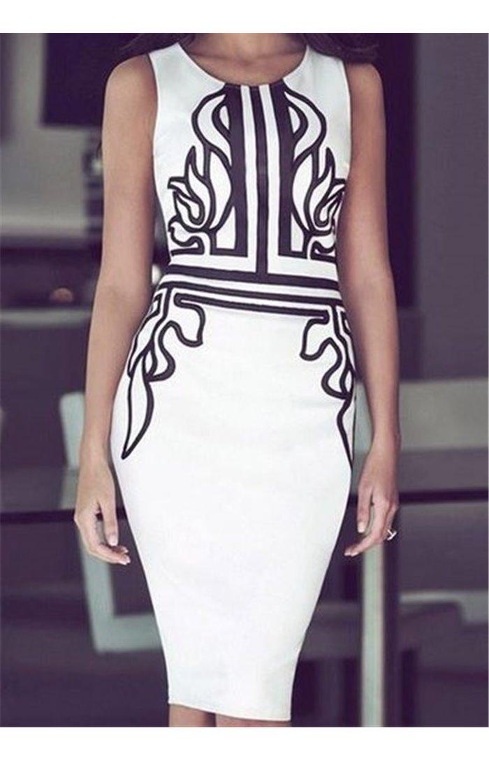 Klasikinė suknelė puošta raštais