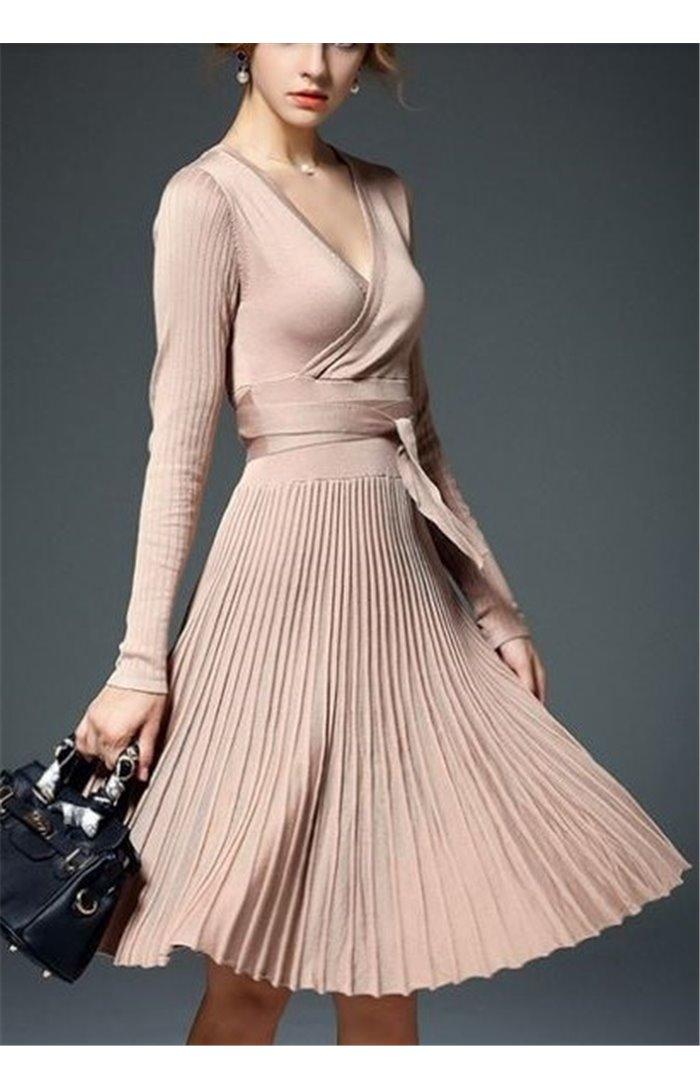 Elegantiška klostuota suknelė