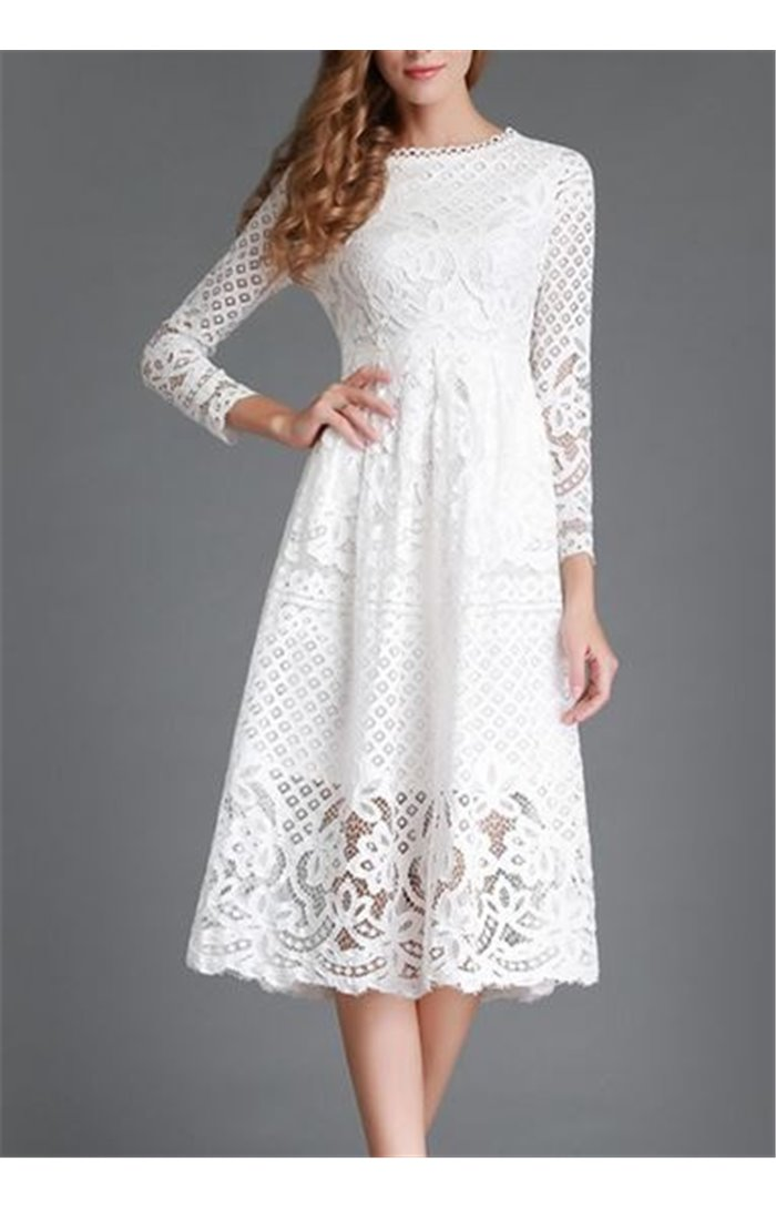 Puošni nėriniuota suknelė