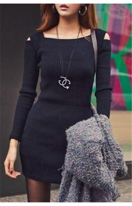 Tampri Suknelė Apnuogintais Pečiais