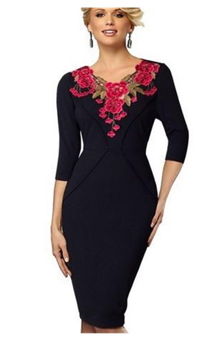 Klasikinė Suknelė Puošta Gėlių Siuviniais