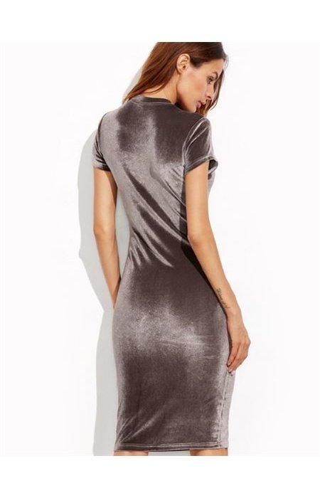 Stilinga Veliūrinė Suknelė