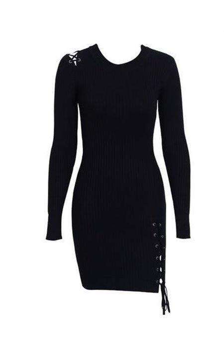 Suknelė Puošta Raišteliais