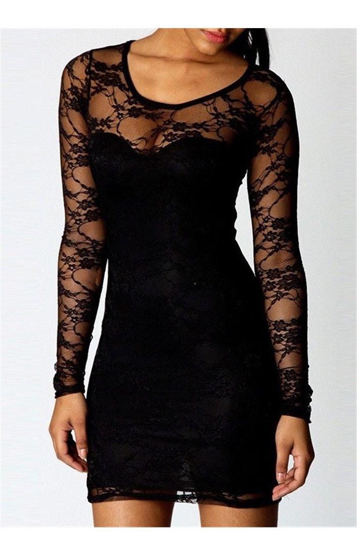 Juoda neriniuota suknelė