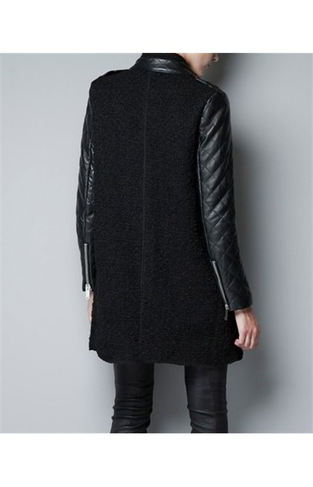 Paltas su odos imitacijos rankovėmis