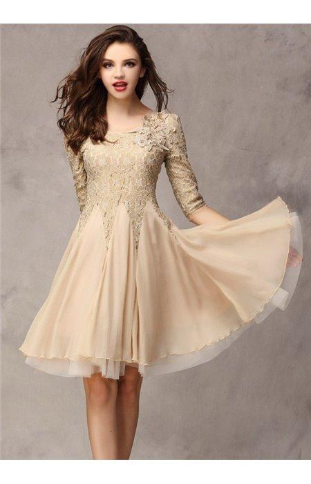 Puošni suknelė su nėriniais